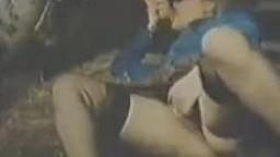 Ретро зоо порно шаболда в стойле совершает продолжительный отсос жеребчику zoo porno видео